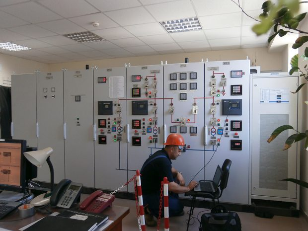 Installation and adjustment of relay control panels of power transformers for high voltage