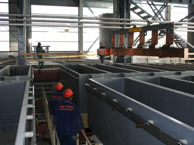 Mechanical installation of detail of the busbar system with a bridge crane
