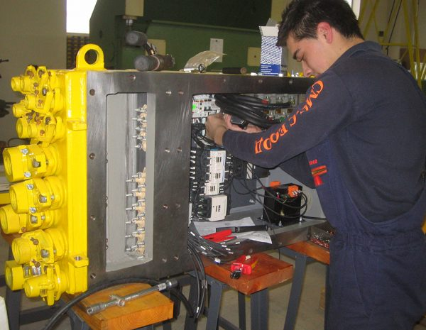 Reconstruction and modernization (retrofit) of electrical control panels for explosive atmospheres(Ex) (Local control stations - LCS). Wiring of the control circuits