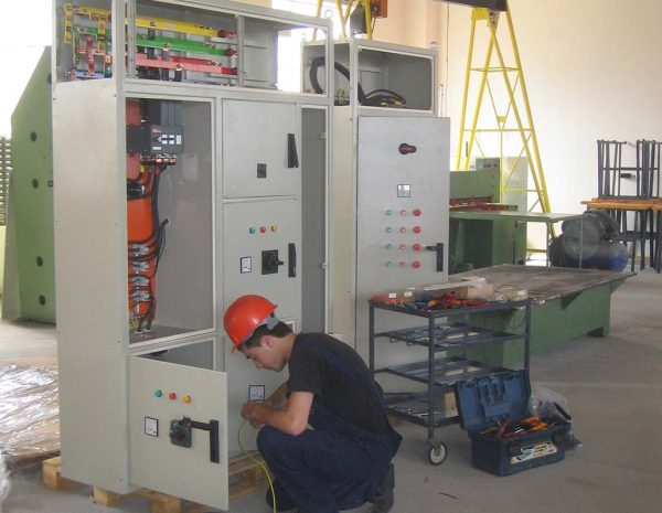 Production of main switchboards for low voltage (Main Distributions Switchboards - MDS)