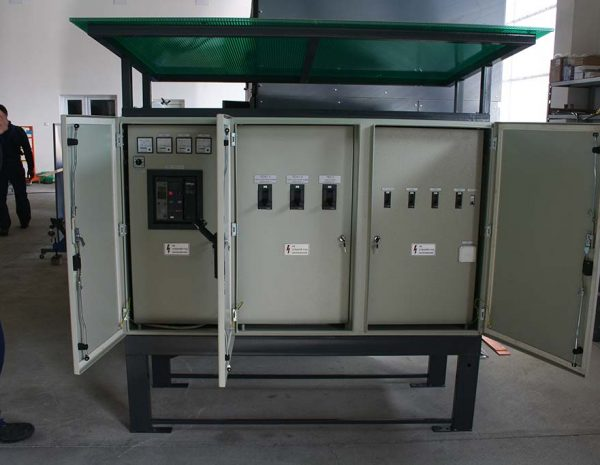 Production of main switchboards for low voltage for outdoor installation