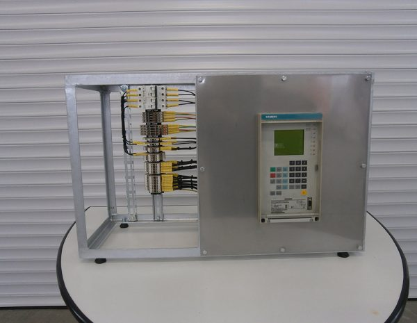 Design and production of training stand for microprocessor protection type 7SJ531 (SIEMENS).